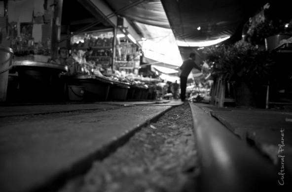 Maeklong, ¿Estación o mercado?