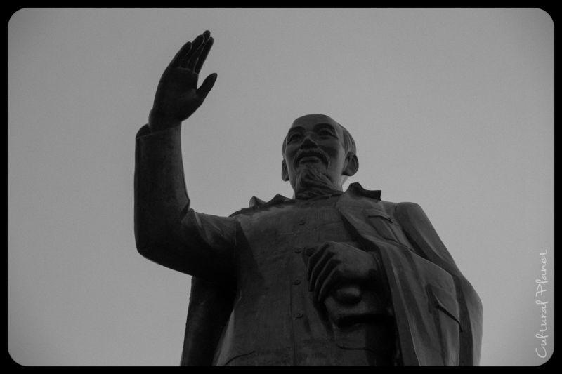 Estatua de Ho Chi Min en Can Tho