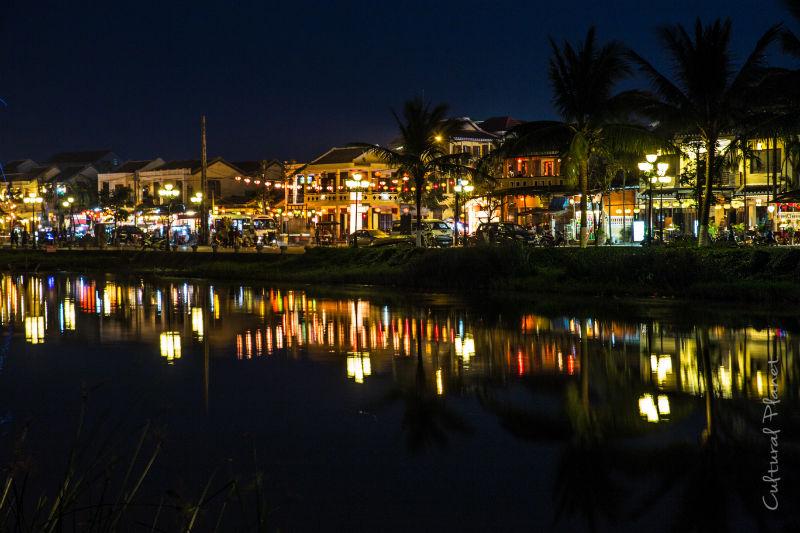 Farolillos nocturnos en Hoi An