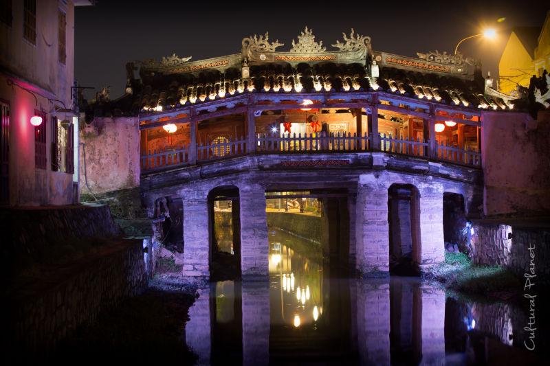 Puente y Pagoda Hoi An